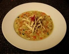 羊骨湯底糙米粥伴涼拌鷄絲